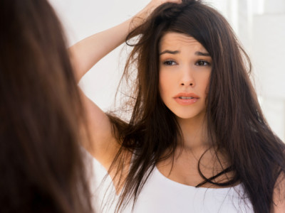 Veja_as_causas_e_os_tratamentos_para_a_queda_de_cabelo.jpg.jpeg