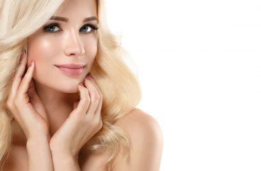 8 erros fatais que as mulheres de cabelo loiro platinado cometem