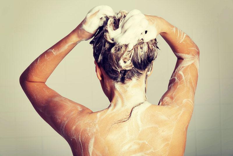 lavar os cabelos todos os dias