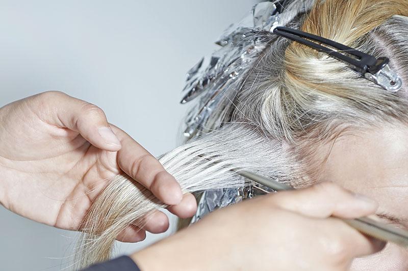 cuidados com procedimentos quimicos em cabelos curtos