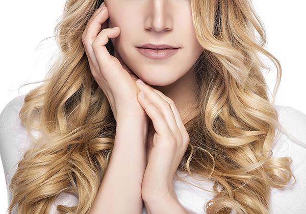 beneficios-do-uso-de-produtos-plex-para-os-cabelos-loiros